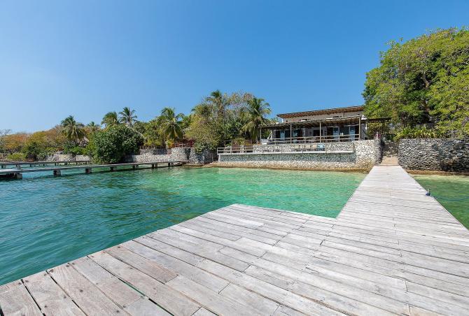 Car055 - Beautiful beach house in Islas del Rosario