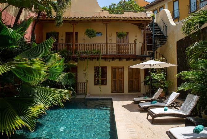 Car056 - Charming 7 bedroom colonial house in Cartagena