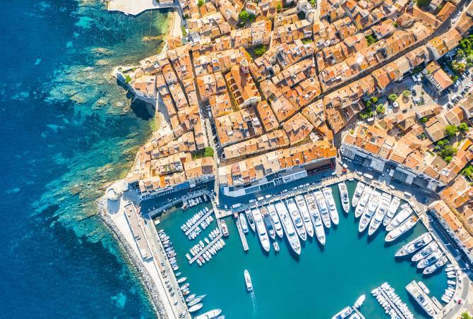 Sobre la Riviera Francesa